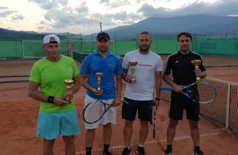 "Турнир в тенис клуб ""Roger"""